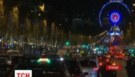 В Париж пришел рождественский сезон