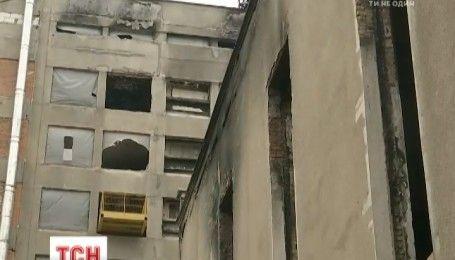 Власть в третий раз пытается демонтировать незаконную надстройку над Домом профсоюзов