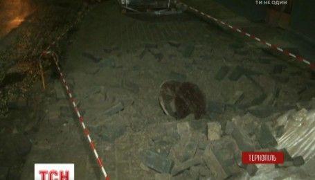 Взрыв в канализационной сети в Тернополе: люки взлетали на несколько метров в высоту