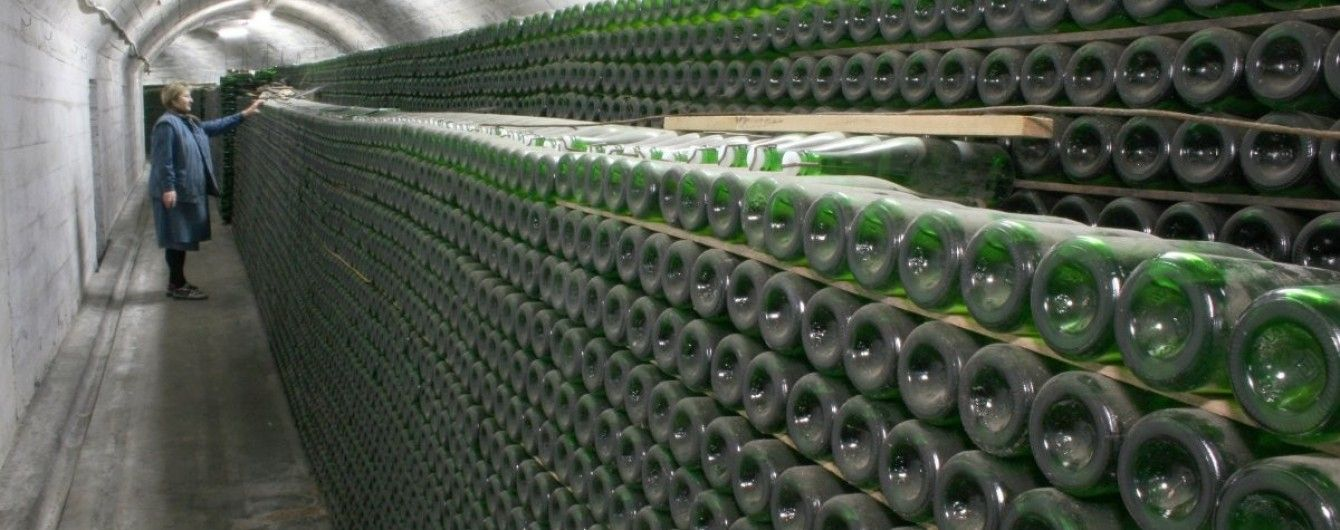 Во французском Бордо пожар уничтожил два миллиона бутылок вина