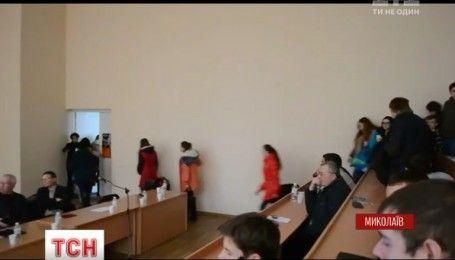 Фільм, з якого з обуренням пішли студенти у Миколаєві, дозволений Мінкультом