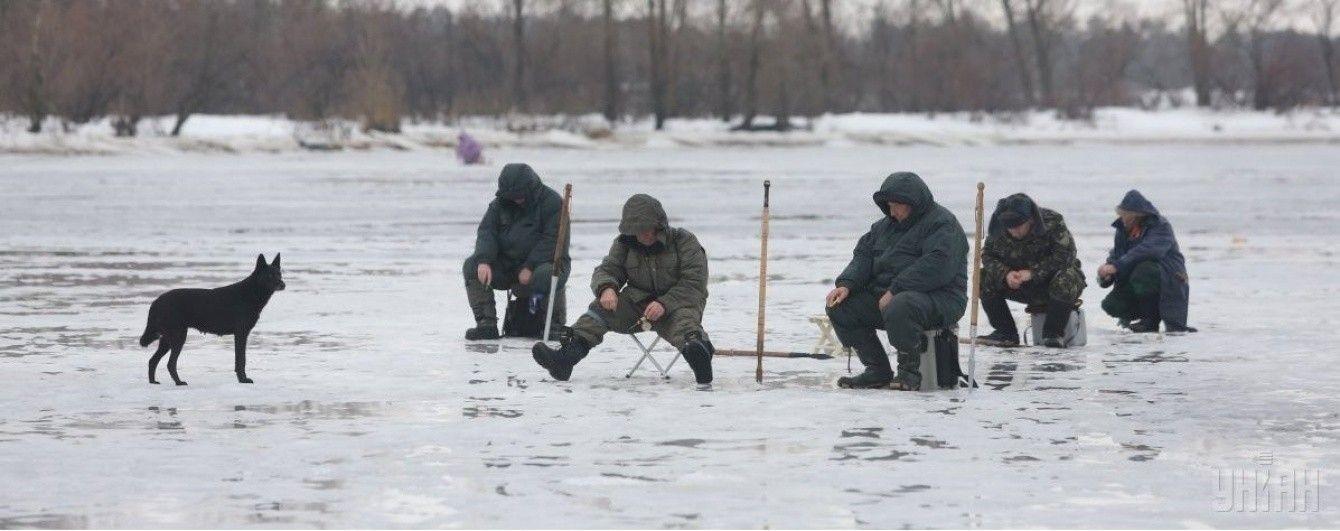 Рятувальники просять українців не виходити на кригу