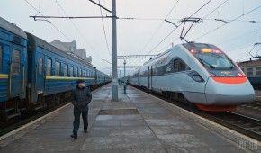 В Україні 2019 року двічі підніматимуть вартість квитків на потяги