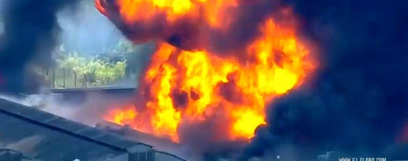У найбільшому місті Південної Америки палає фабрика з отруйними речовинами