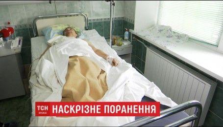 Чоловік вижив після наскрізного поранення двометровою трубою