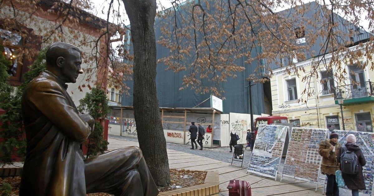 От Театра на Подоле до VIP-высотки на Грушевского. Какие застройки больше всего разозлили киевлян