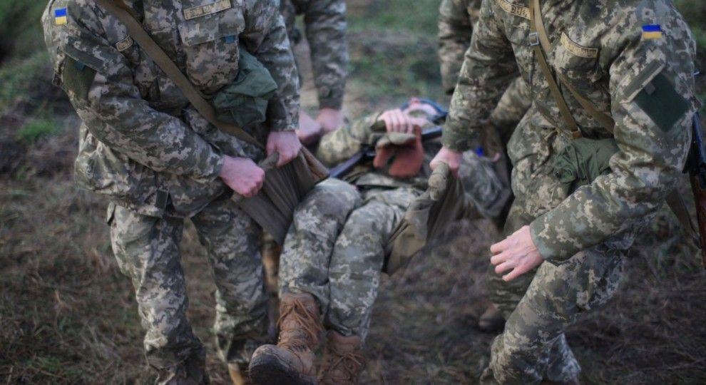 На Донетчине нашли мертвыми двух военных: у одного из бойцов огнестрельное ранение в голову - СМИ