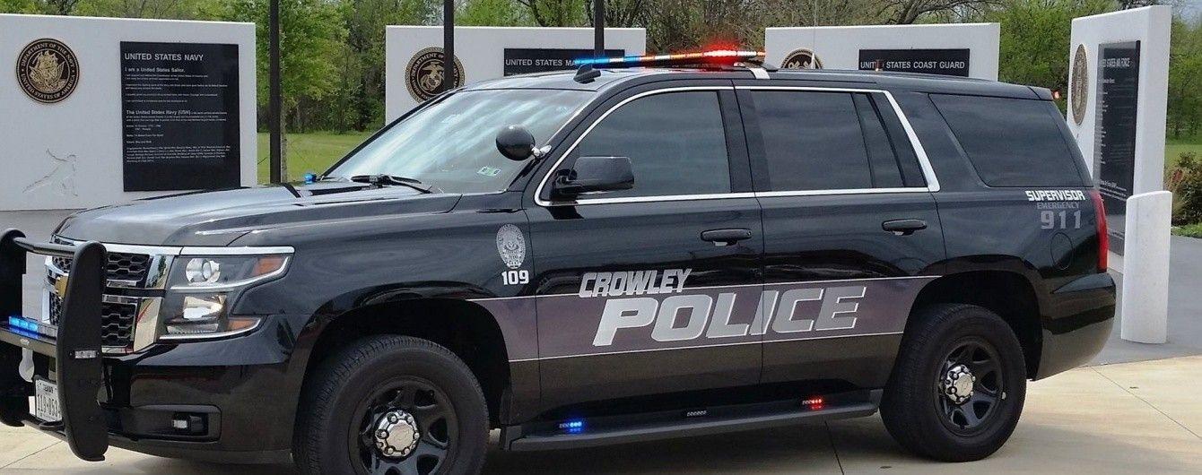 В США мужчина стрелял в жену и дочь под церковью