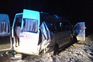 Стали відомі нові подробиці резонансної ДТП на Дніпропетровщині, в якій загинуло 5 людей