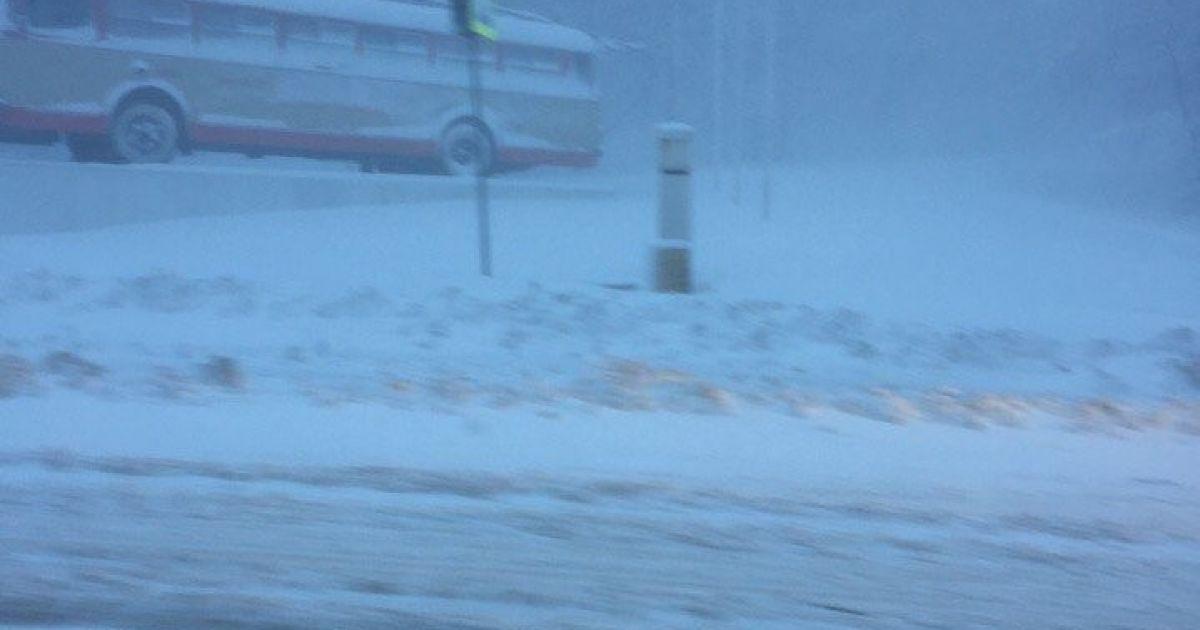 Сніг на Ангарському перевалі