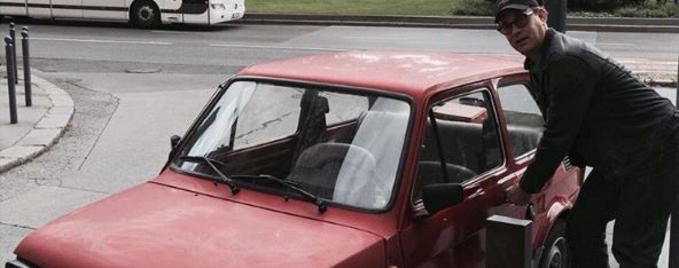 У Польщі збирають гроші на раритетне авто для Тома Генкса