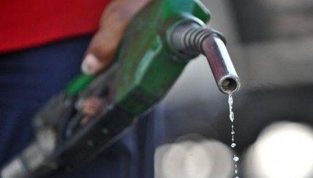 Українці припиняють купувати бензин
