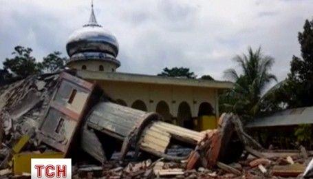 Землетрясение в Индонезии: поисковые операции продолжаются и число жертв растет