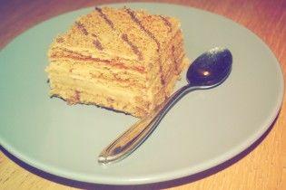 В Одесі десятки людей отруїлися тортом - ЗМІ
