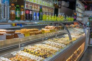 """В Одесі кількість отруєних тортом """"Наполеон"""" сягнула трьох десятків"""