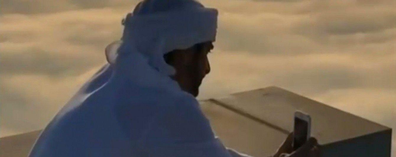 Арабський принц зняв приголомшливе відео у хмарах над Дубаї