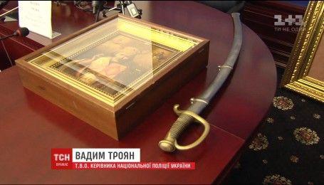 У київській квартирі знайшли цілу купу дорогоцінних речей Миколи Азарова