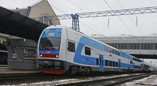 """""""Укрзалізниця"""" призначила додаткові потяги через негоду у Полтавщині"""