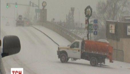 США засипає снігом: в Орегоні навіть закрили школи