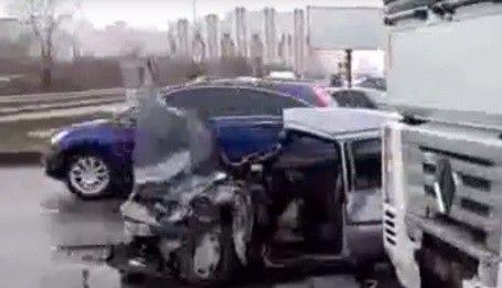 Водитель фуры назвал шоком смертельное ДТП на Дарницком шоссе в Киеве