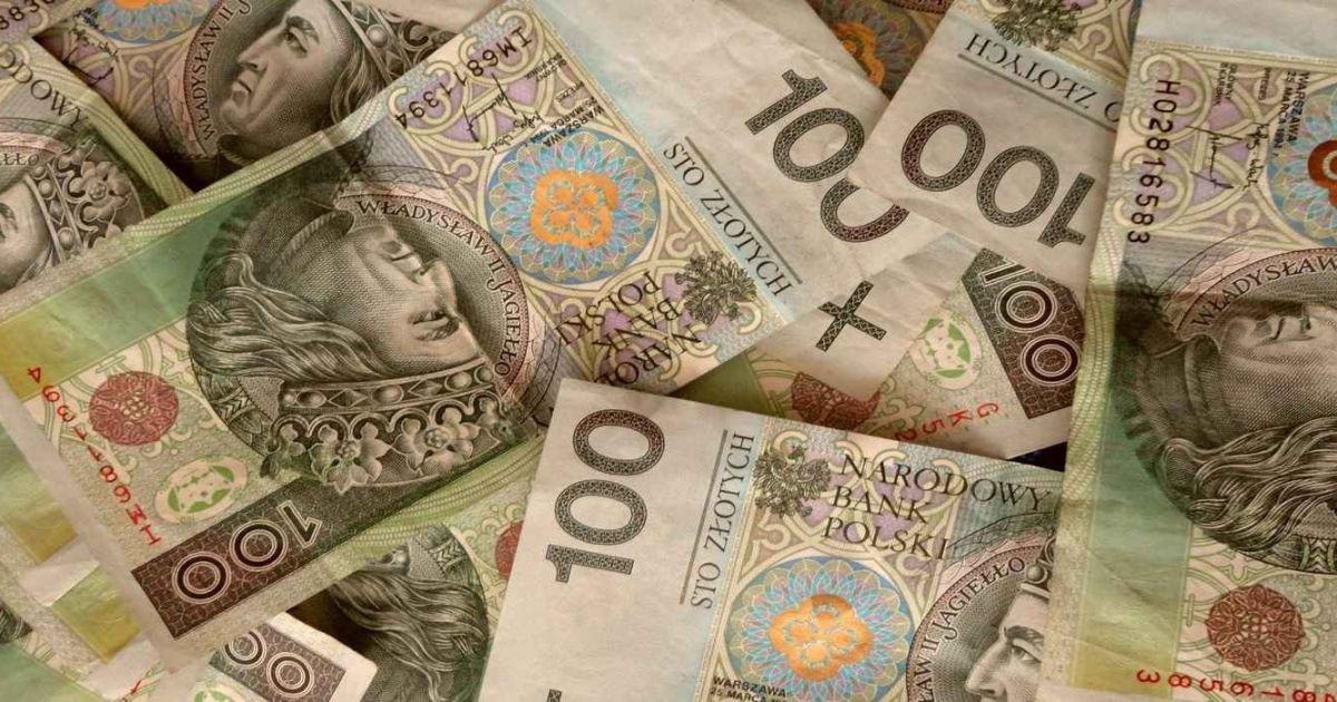 Украинские заробитчане за год из Польши домой перечислили 8 миллиардов злотых