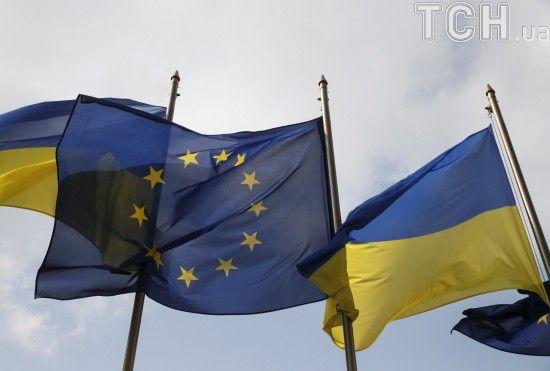 """Боротьба з корупцією і правосуддя: у ЄС доповіли, в яких реформах Україна """"пасе задніх"""""""