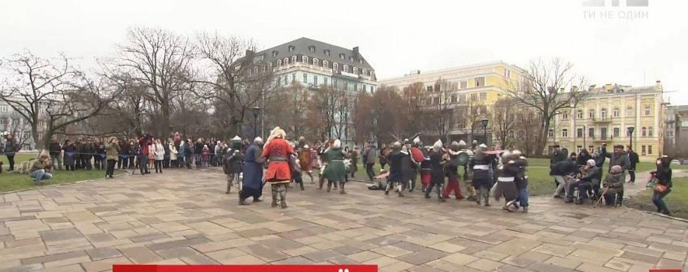 У центрі Києва видовищно реконструювали битву з монголо-татарами ХІІІ століття