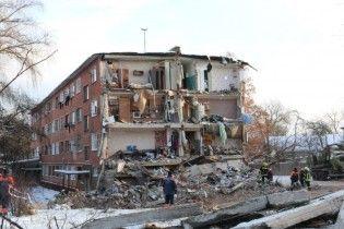 Відремонтований після обвалу гуртожиток в Чернігові покрився новими тріщинами