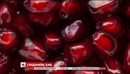 Суперхозяйка Ирина Гулей рассказала об самом удобном способе чистки граната
