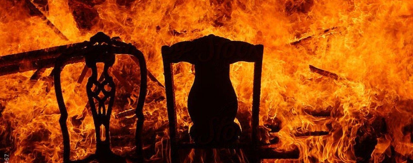 В Киеве во время тушения пожара в многоэтажке нашли труп