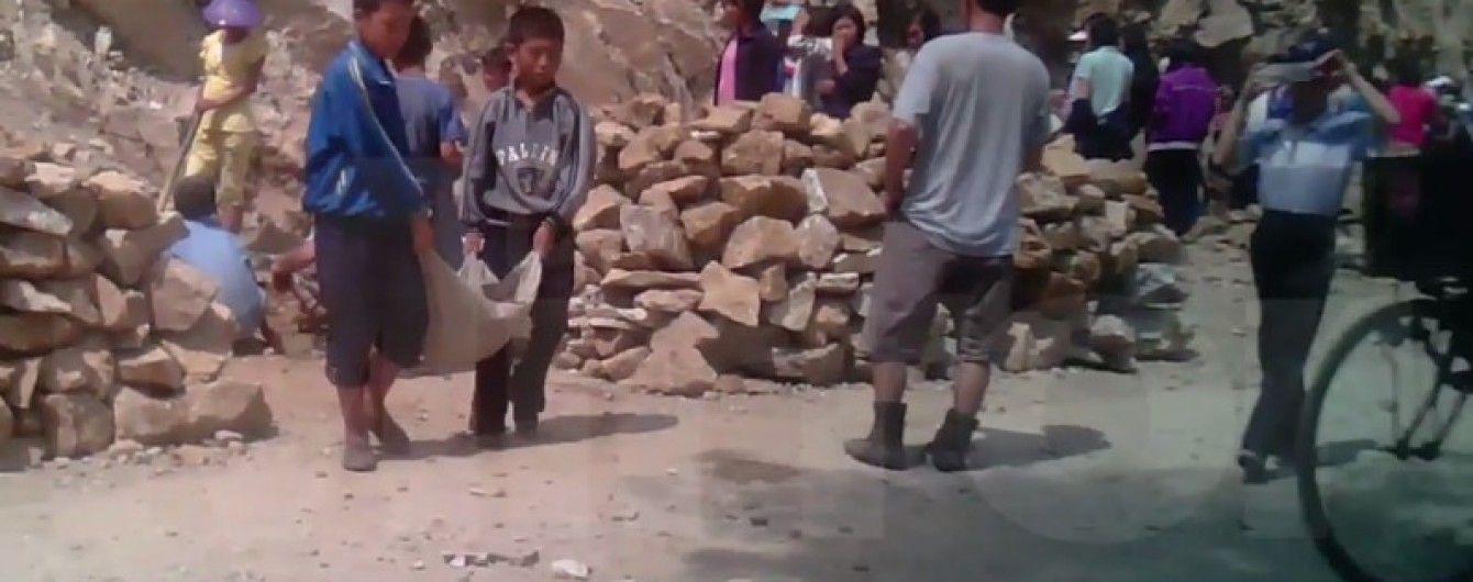 В КНДР зняли жахливе відео, на якому 5-річних дітей використовують як рабську силу