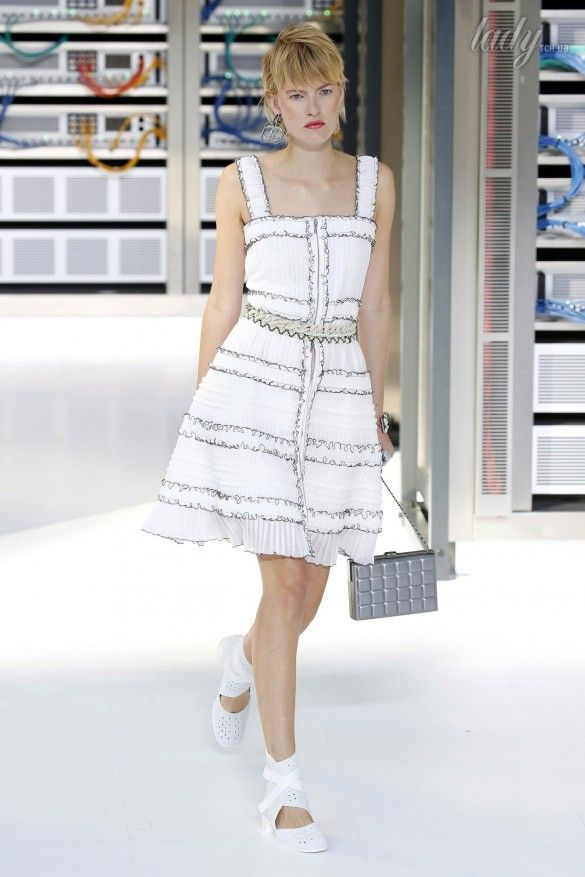 Коллекция Chanel прет-а-порте сезона весна-лето 2017_79