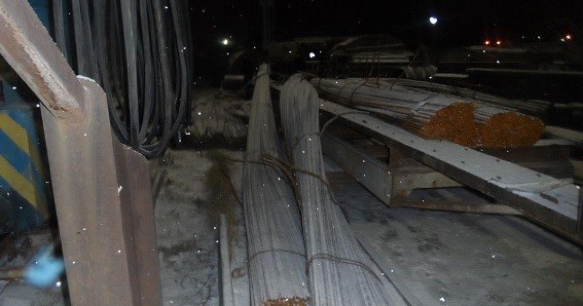 На столичном стройпроизводстве рабочий погиб из-за обвала арматуры