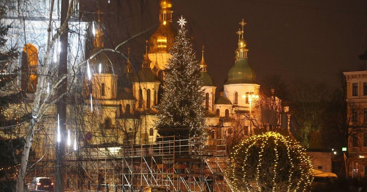 В Киеве из-за открытия главной елки временно изменят маршруты некоторых троллейбусов