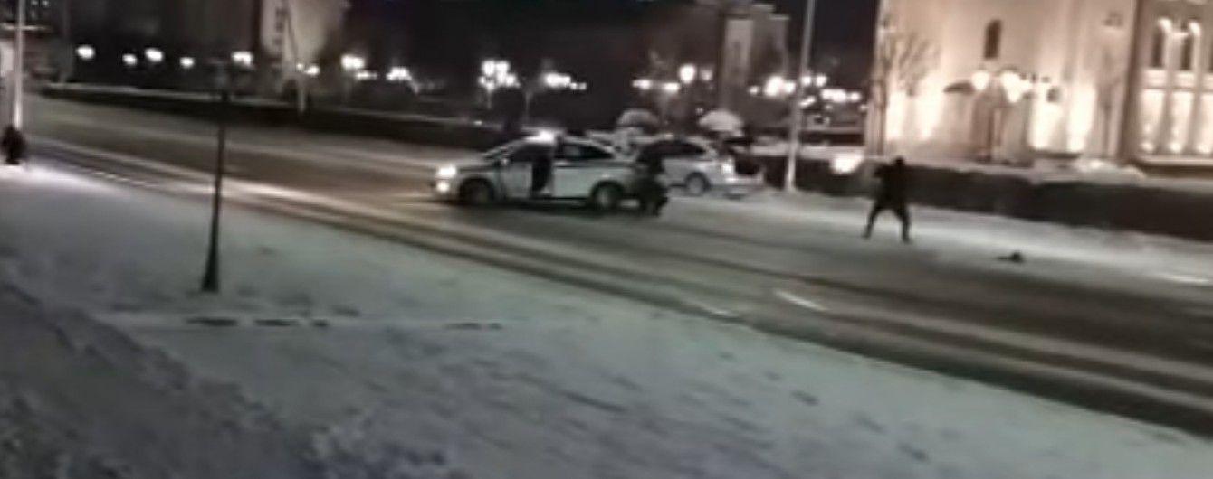 В Сети появилось видео кровавой перестрелки между полицейскими и боевиками в Грозном