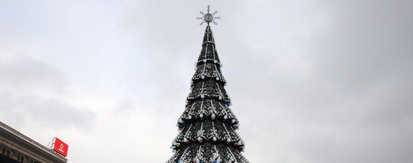 В Україні визначили, в якому місті стоїть найвища новорічна ялинка