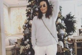 К празднику готова: Ева Лонгория показала, как украсила новогоднюю елку