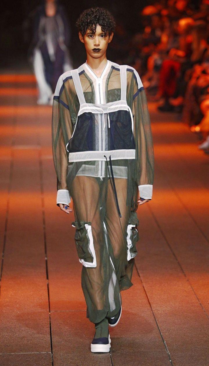 Коллекция DKNY прет-а-порте сезона весна-лето 2017 @ East News