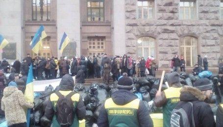 Забитая спина и ребра: активисты рассказали о пострадавших на митинге владельцев МАФов под КГГА