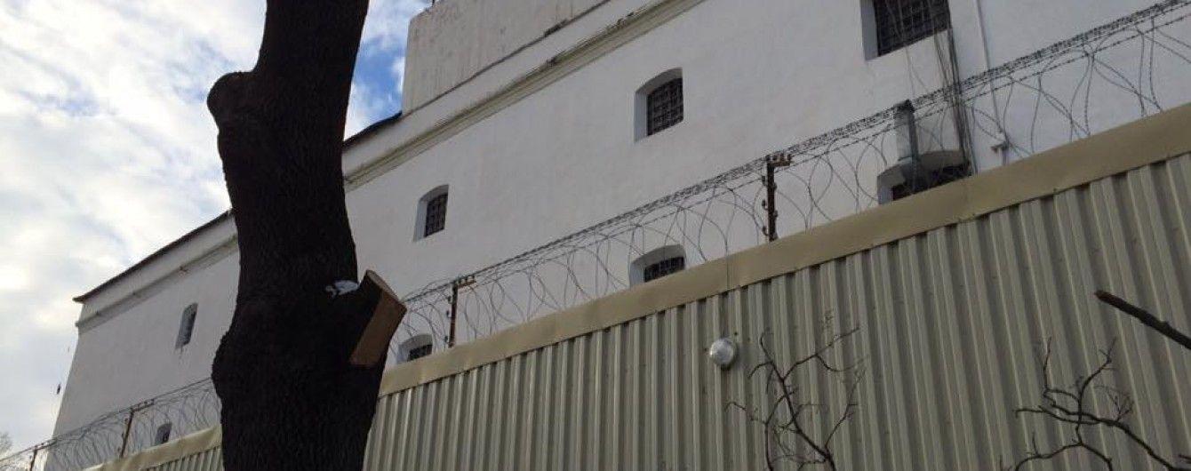 Українському омбудсмену вдалося побачити політв'язнів у анексованому Криму