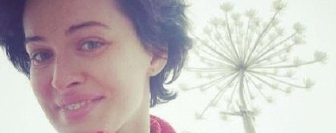 Секс-бомба Астаф'єва перевтілилася у бідну селянку в пошарпаному одязі