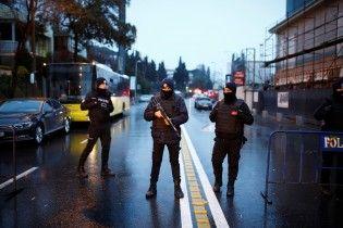 Турецький прем'єр спростував, що нападник у Стамбулі був одягнений Санта-Клаусом