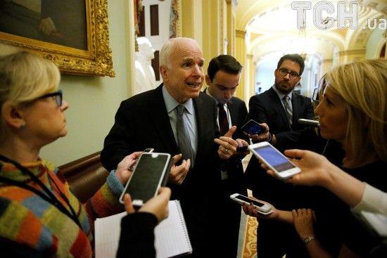 Сенатор Маккейн відреагував на санкції США проти Росії