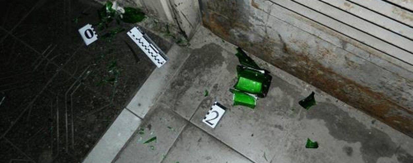 В Киеве окровавленный военный АТО задержал грабителя, который напал на него