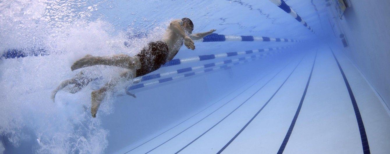 Во Львове в бассейне на глазах у собственной матери умерла 10-летняя девочка
