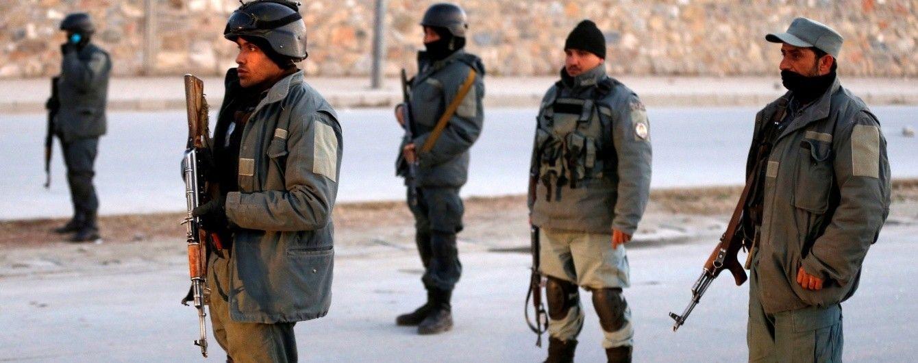 Серия терактов в Афганистане: из-за нападения на мечеть погибло 25 человек