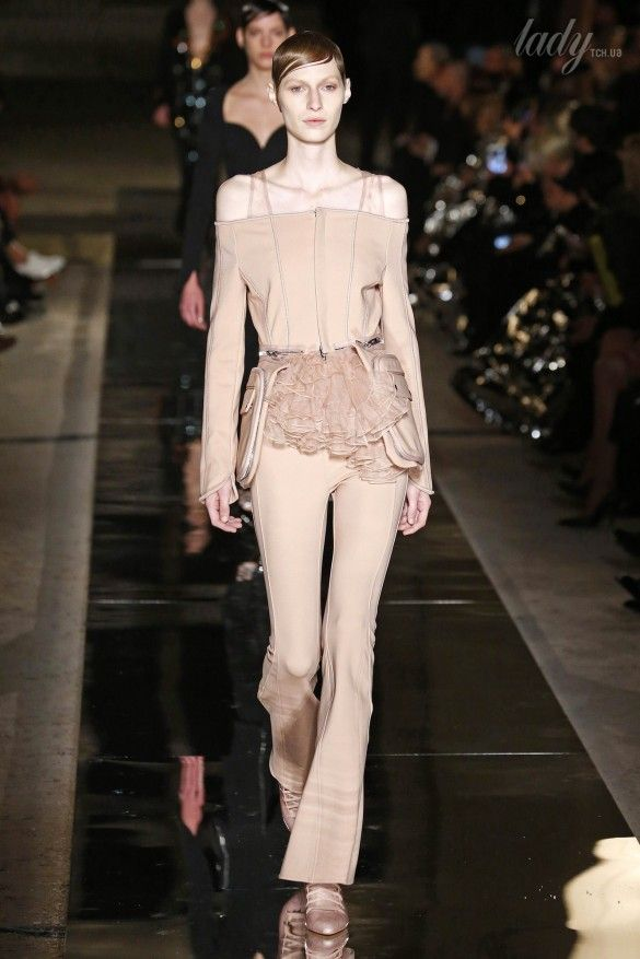 Коллекция Givenchy прет-а-порте сезона весна-лето 2017_50