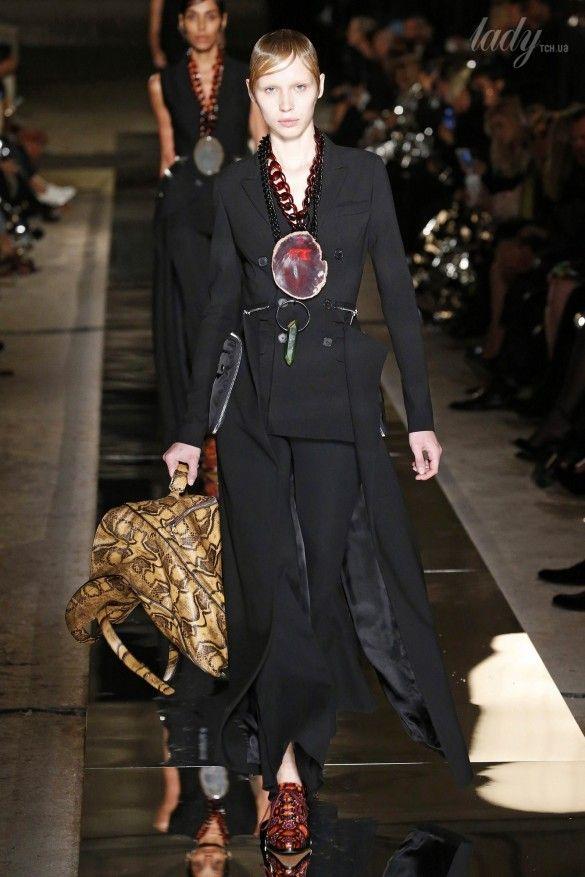 Коллекция Givenchy прет-а-порте сезона весна-лето 2017_41