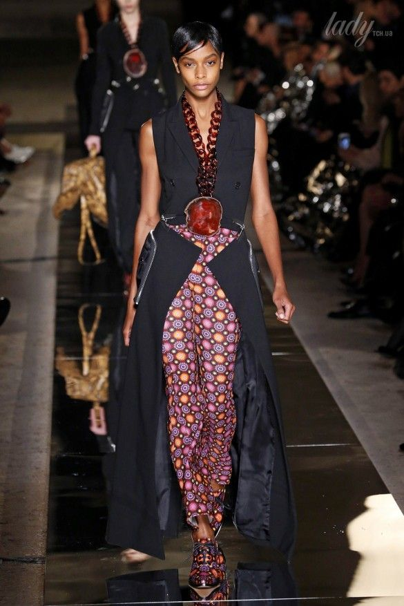Коллекция Givenchy прет-а-порте сезона весна-лето 2017_40