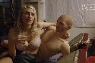 Секс-блогер розповіла про враження від інтиму зі спеціальною лялькою-роботом